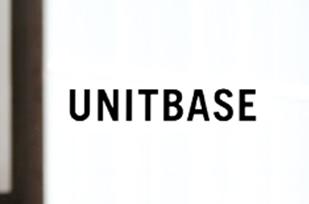 ユニットベース